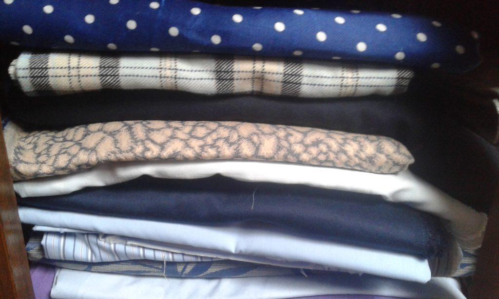 Tissus bleu mercerie couture réemploi recyclerie au bonheur des bennes 44 Saint-Nazaire