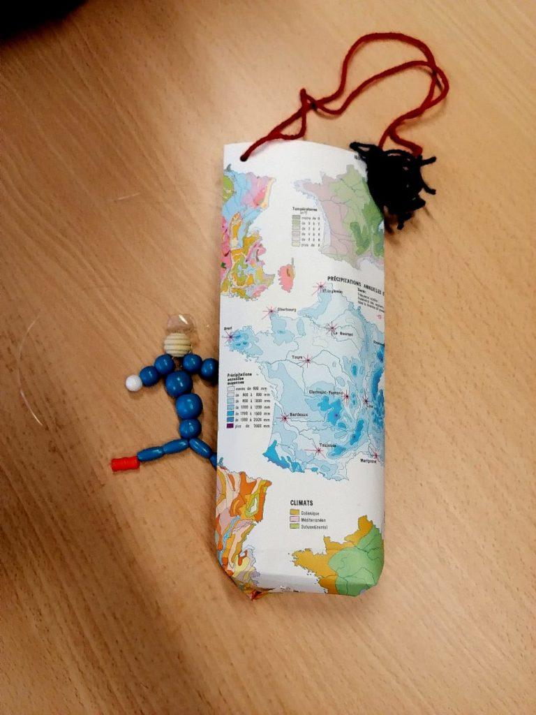 Animation prévention réemploi sacs en papier bonhomme en perle centre de loisirs Jean Zay recyclerie au bonheur des bennes Saint-Nazaire 44