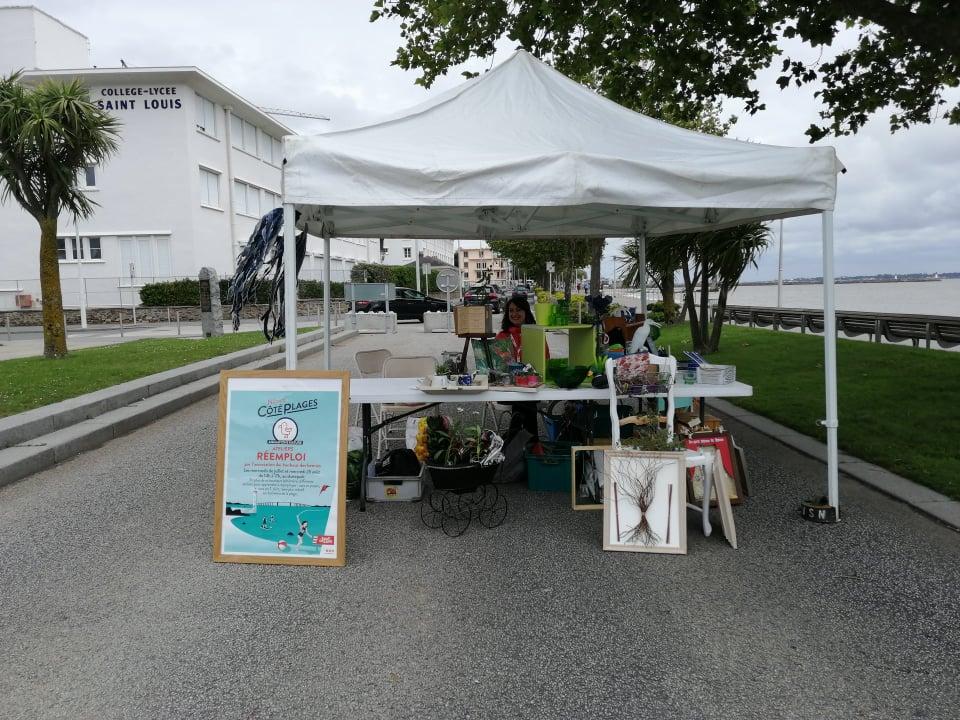 stand saint nazaire côté plages réemploi ateliers association mercredi au bonheur des bennes 44