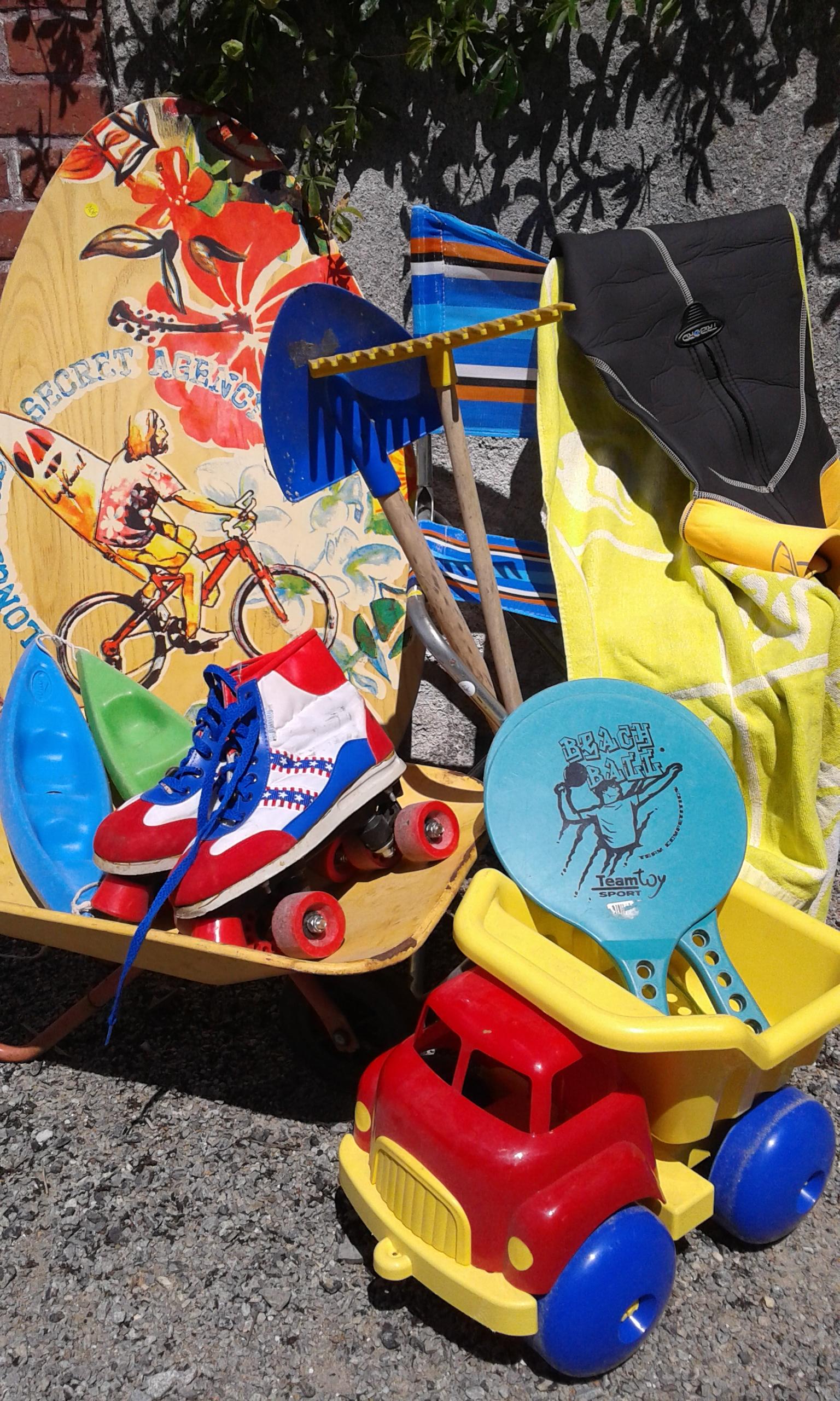 Jeux de plage enfants camion rollers raquettes réemploi recyclerie au bonheur des bennes 44 Saint-Nazaire