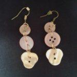Boucles d'oreilles en boutons fait main réemploi recyclerie au bonheur des bennes 44 Saint-Nazaire